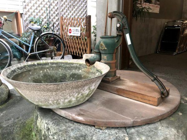 手押し型井戸汲み